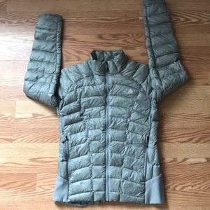 North face puffer coat ⭐️sale⭐️